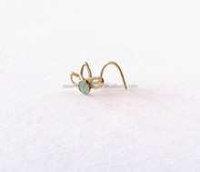 Flower Nose Stud - Gold Nose Screw - Nose Ring - Minimalist Flower - Elegant Piercing Jewelry