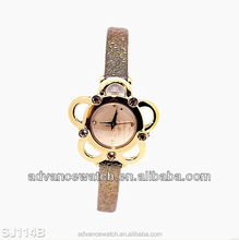 2017 wholesale cheap gift watch for girls with fashion style and quartz movement watch