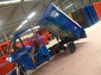 Half Closed Cabin Hydraulic Tippings Cargo Tricycles For Sale
