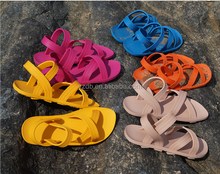 new design2015 fashion flat sandal beach shoes