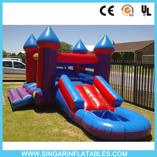 Inflatable jumping house/bouncy castle with water slide