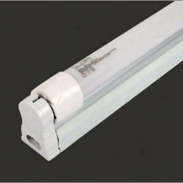 Good price surface mounted t5 fluorescent light fixture led t8 bulb 18w 6500k