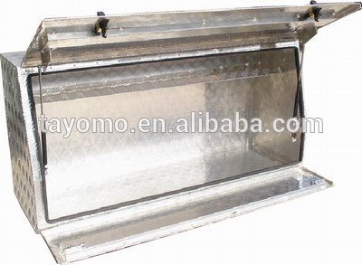 Aluminum tool box with Subsection Lid