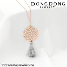 012 new design fashion jewelry rose gold plated stainless steel hollow flower shape pendant necklace with tassel