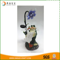 2016 resin dancing garden animal with solar light decoration