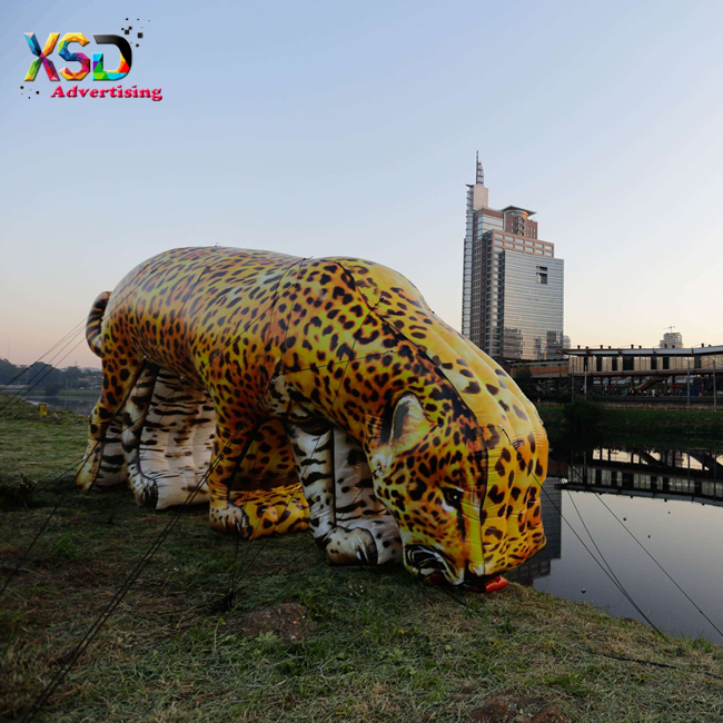 giant inflatable leopard animal replica balloon / huge inflatable cheetah model for sale