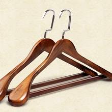 Garden products antique wooden hanger with non-slip bar wholesale