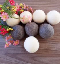 9cm Plastic pure organic wool dryer balls with high quality wool made in nepal dryer balls