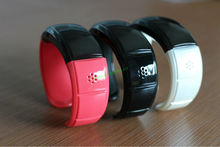 bluetooth bracelet with mp3 player, time display and earphone support /smart phone accessories EF-1