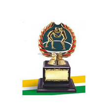 Golden trophies sports metal figurine awards for promotion