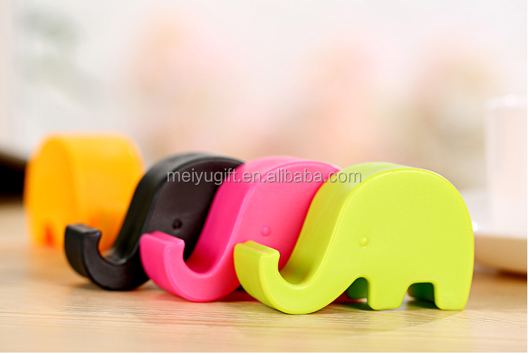 cheap wholesale cute kawaii smart animals shape plastic cell phone holder for desk