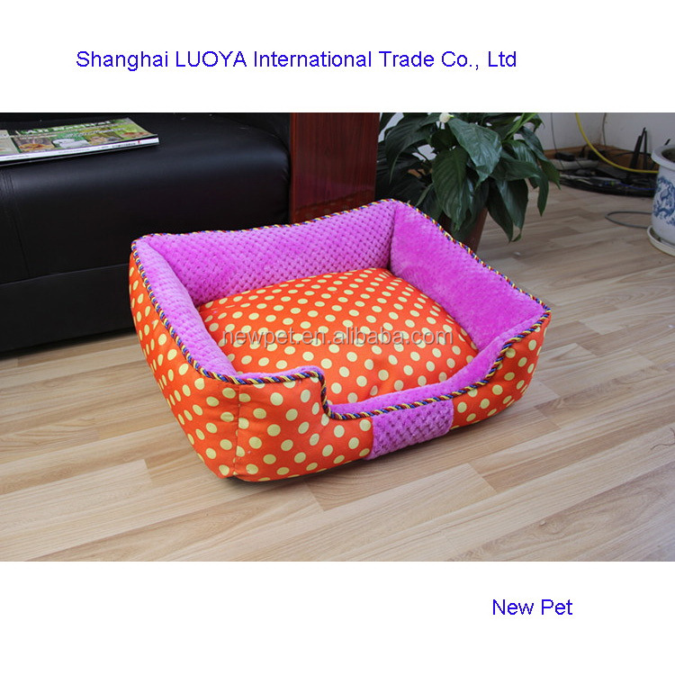 Quality primacy attractive design dotted pet bed indoor handmade wicker basket for dog bed
