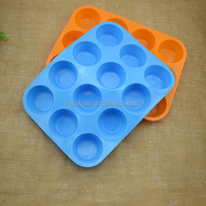 Wholesale 12cups round Shape Baking Silicone Cupcake Mold