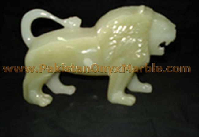 ONYX MARBLE CARVING LIONS