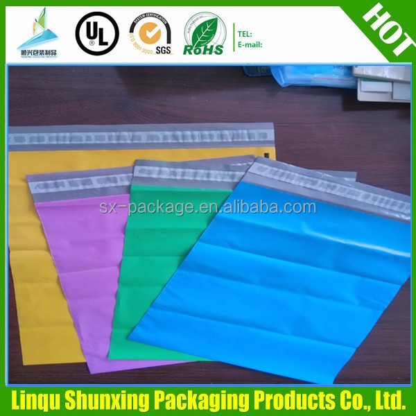 Poly mailer envelopes shipping bags with self - tape / plastic bag rolls