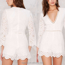 2016 Hot Selling Beautiful White Plunging Neckline Jumpsuits For Women Custom Clothes