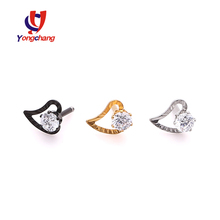 2017 wholesale earrings wedding gift shinny zircon pronged in heart ear stud jewelry ladies love
