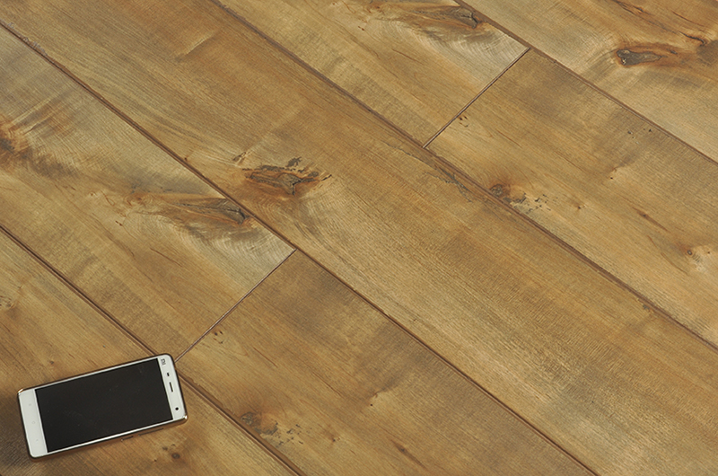 Prima Wood E1 HDF OAK 12MM Laminated Flooring