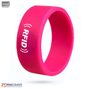 2019Hot sale! waterproof PVC 125KHz or 13.56MHz RFID smart locker key wristband for amusement park nursery school etc