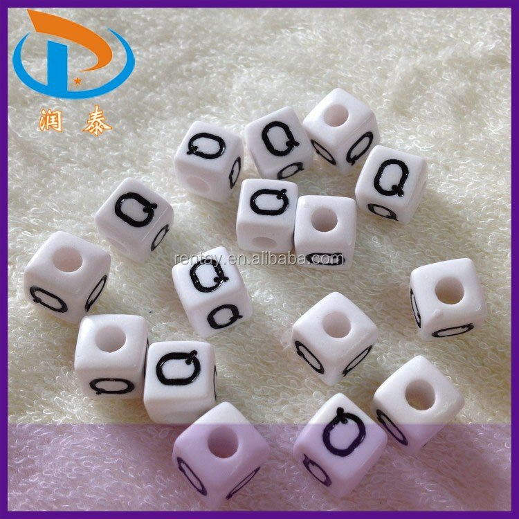 "Top Sale White & Black <strong>10</strong>*10mm ""<strong>Q</strong>"" Loose Acrylic Alphabet Letter Plastic Cube Beads"