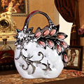 modern arts and crafts wholesale ceramic decoration lady bag craft with seashell