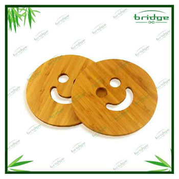 Bamboo smile face mug or bowl mats set