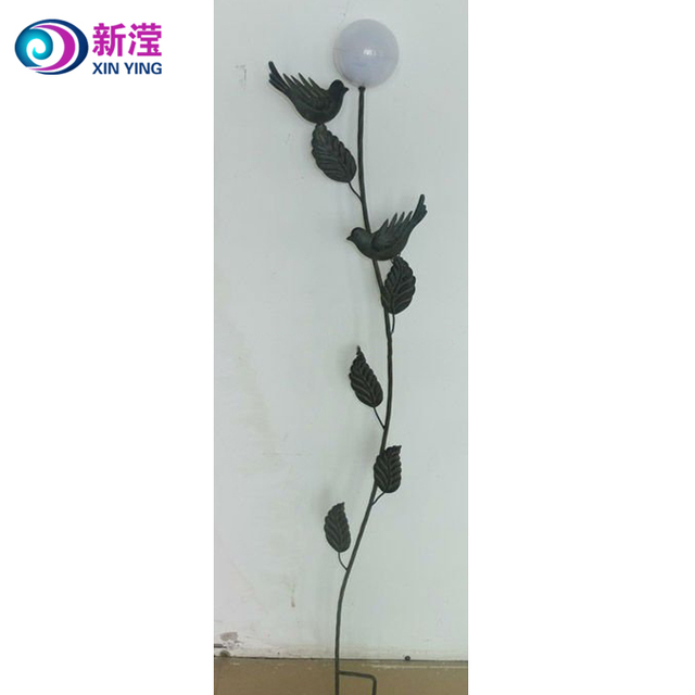 Wholesale lawn and garden decorative solar stake led garden lights