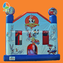 Hot sale inflatable jumping castle play baby looney tunes games