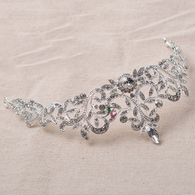 2019 Design Wholesale Bridal Wedding Rhinestone <strong>Crowns</strong> And Crystal Metal <strong>Crown</strong> Tiaras In Bulk