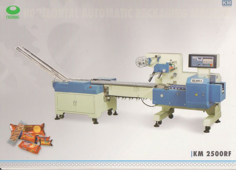 Horizontal Flow Wrapper Machine Km 2500 Regal Feeding for biscuit/cracker, cake, wafer, snack bar etc