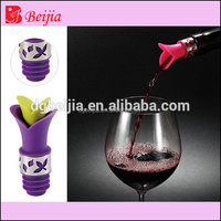 Reusable beer promotion gift screw shape silicone rubber wine bottle stopper