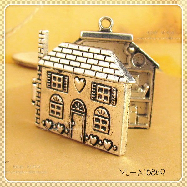 Openable 3D Wonderful BRONZE TONE DOLL'S HOUSE LOCKET PENDANT Furniture Inside