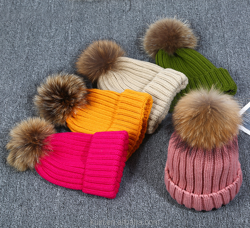 Wholesale Custom-made High Quality Cheap Knited Cap/OEM winter Knit Beanie Caps 11-15cm raccoon fur ball with sanp Hats