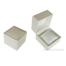 Simple Densign Square Jewelry Box for Bracelet Watch