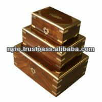 Set of 5 ash boxes with brass inlay and keys