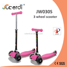 2017 Patent product hot sale kids pink lightweight push scooter flashing 3 wheeled scooter