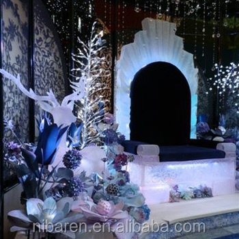 Beautiful Clear Resin Christmas Decoration Sculpture Throne Christmas Sculpture