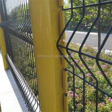 China manufacturer PVC Powder coated Steel Welded Wire Mesh Residential Fencing