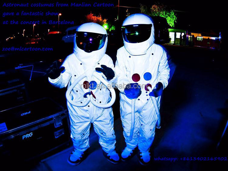 China Party supplied astronaut costumes for stage performance
