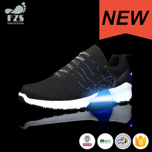 HFJH184 personalizza il Commercio All'ingrosso ricaricabile led light up sneakers 2017