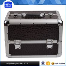 Reasonable & acceptable price factory supply portable type makeup cosmetic case beauty case