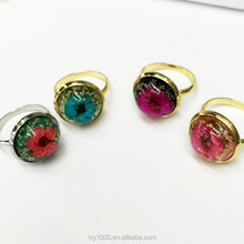 Exquisite Antique Resin Copper Plated Zinc Alloy Round Amber Dry Flower Babysbreath Rings Fashion
