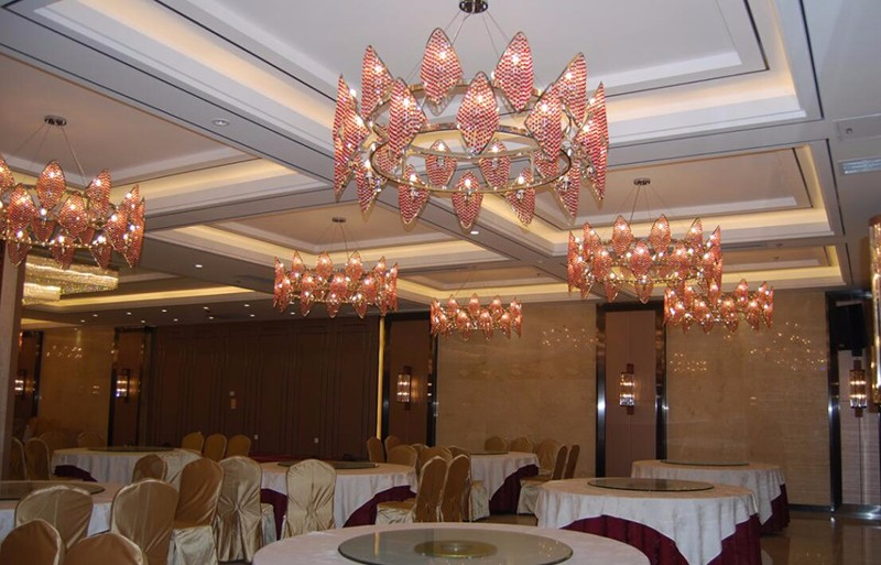 Modern luxury k9 crystal round shape red crystal chandelier for lobby