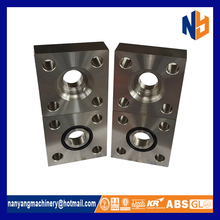 Export quality carbon steel square flange
