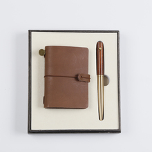 Low MOQ high quality wooden pen and retro style genuine leather card holder gift set with custom logo