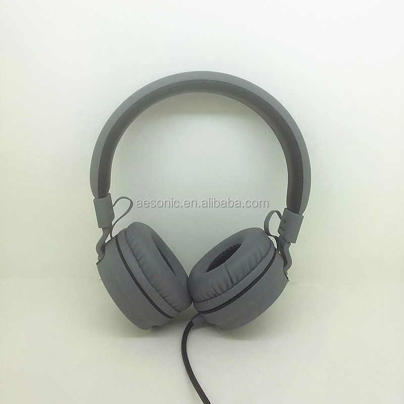 2017 fashion adjustable and portable stereo music headphone with high quality