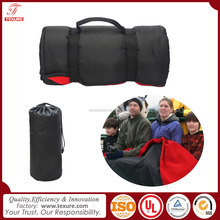 Multi-purpose Roll up Portable Plain Fleece Nylon Waterproof Picnic Blanket Stadium Blanket with Carry Handle