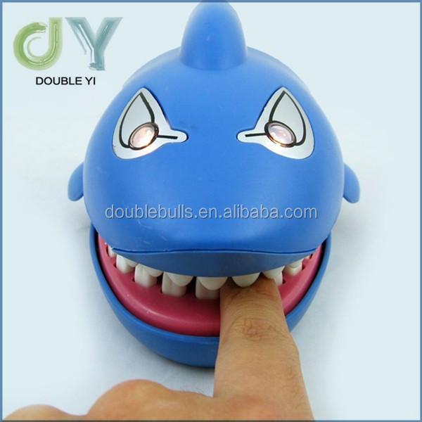 Custom high quality promotional cheapest Plastic shark Dentist Bite With big Mouth Dentist Game Toy