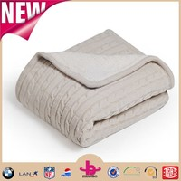 NEWEST low price novelty personalized Reversible micro plush sherpa throw&blanket/100 polyester chunky cable knit throw blanket