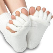 Toe Separator Yoga Gym Sports Massage Socks for Foot Alignment, Great for Sore Feet and Diabetics